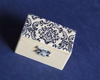 Damask Wedding Ring Bearer Box - Pillow Alternative - Elegant, Floral, Rustic, Pastel