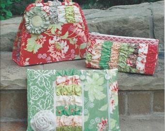 Sale!  Zip To It! Bag pattern (SDG-136) - Serendipity Studio