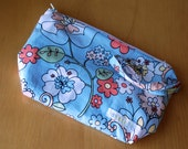 all-purpose small wetbag - wipes bag - cosmetic bag - wristlet pouch in blue victorian