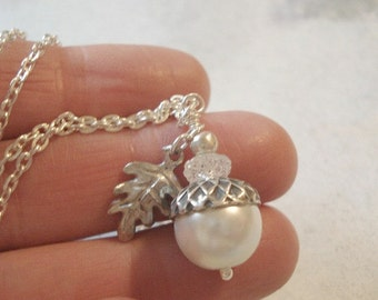 Pearl Acorn Necklace Jewelry White Acorn Pendant Pearl Necklace Bridesmaid Necklace Acorn Pendant Acorn Jewelry