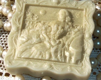 Cameo Soap Handcrafted Contessa