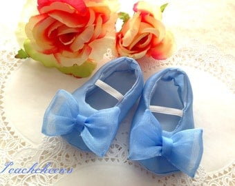 Cinderella Slippers Sizes 0-18 mos. PERFECT FOR HALLOWEEN