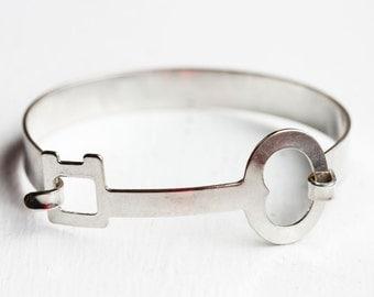 Silver Skeleton Key Hook Bracelet