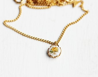 Tiny Rose Necklace - Yellow