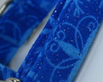Small martingale collar blue snowflakes with glitter