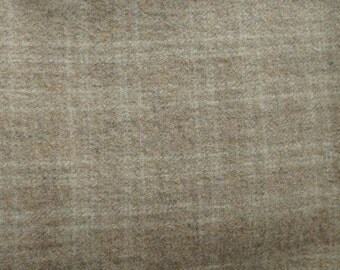Neutral Plaid Felted Wool Fabric Fat Eighth Yard in 100% Wool in  Perfect For Rug Hooking, Applique, and Crafts Projects