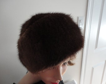 Vintage Dyed Brown Muskrat Fur Women Hat 60s Kates Canada Small 21 3/4 inches