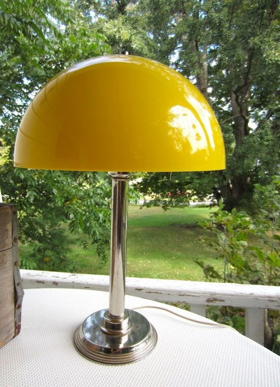 vintage retro yellow mushroom table lamp metal base dome shade. Black Bedroom Furniture Sets. Home Design Ideas