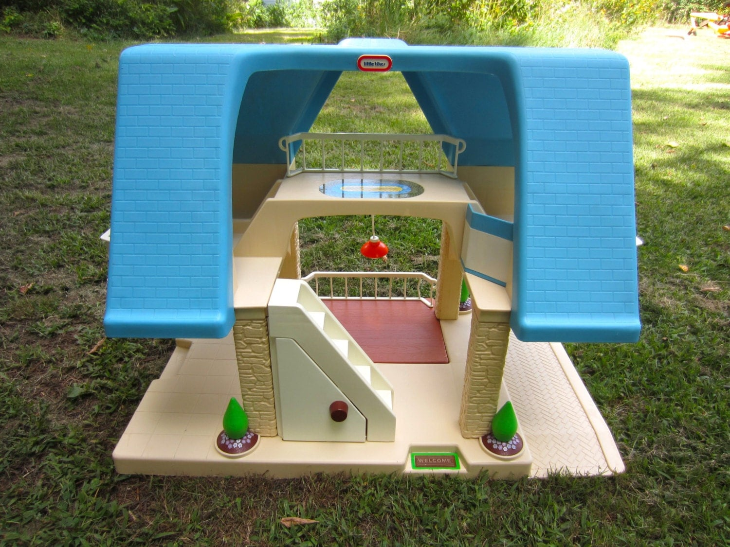 Vintage Little Tikes Blue Roof Dollhouse With Pull Out Patio