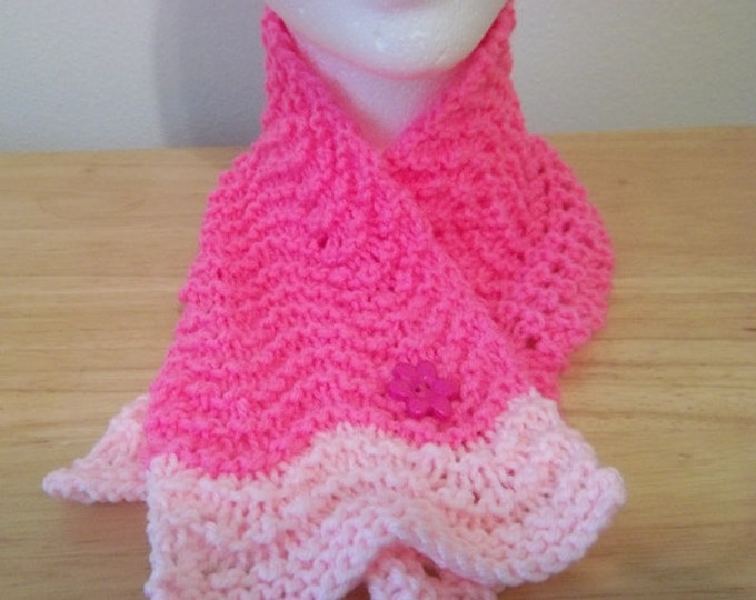 Scarf - Hand Knitted Cowl in Pink - Scarflette