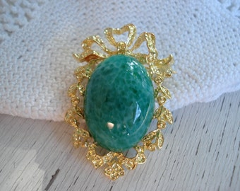 SALE Vintage Jade Peking Glass Gold Pin Brooch Pendant