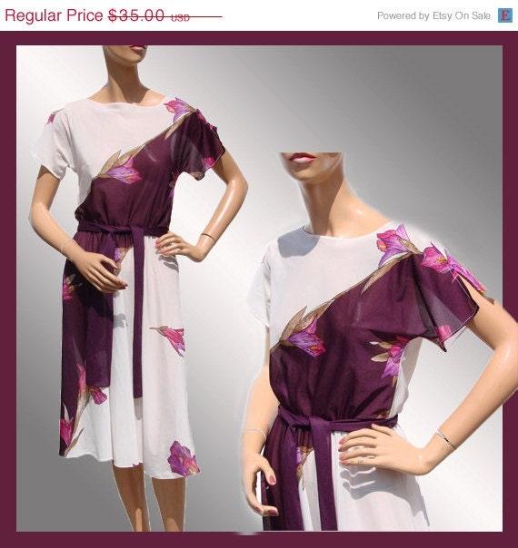 ON SALE Vintage 1970s Sheer Dress // Floral Print // Polyester