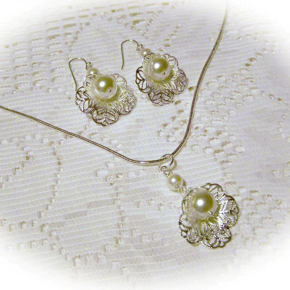 Wedding Necklace and Earring Set - Silver Filigree - Edwardian Style - Ivory Cream Pearl