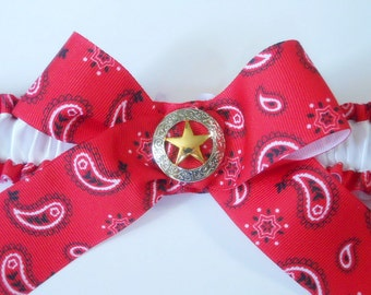 Plus size garter in Red bandanna print with a shiny golden Sheriff star. Country Western style Bride /Wedding
