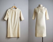 60s dress / 1960s cream wool shift dress / Vanilla Cream dress
