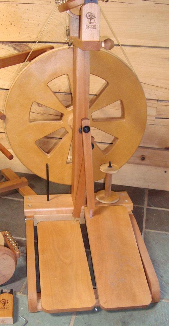 Used Folding Kiwi Spinning wheel with Yarn Winder