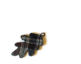 Wool Pendant/ oak leaf plaid gray blue burgundy