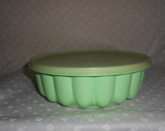 Tupperware Jello Mold - Mint Green Three Piece Vintage Tupperware Bowl and Lid Set