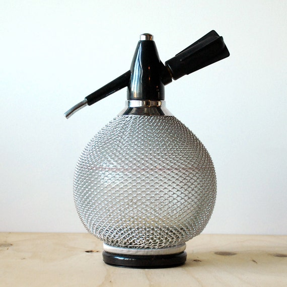how to use a vintage soda siphon