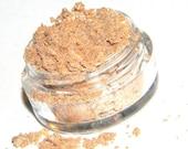 HAPPY HARVEST Shimmery Golden peach Eyeshadow
