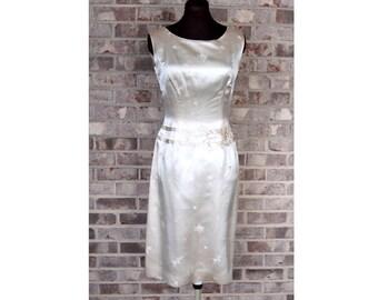 1950s silk dress, 1950s wiggle dress, ivory silk, Ying Tai Ltd, Size M, Asian dress