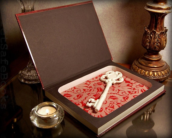Hollow Book Safe (The Secret World of Witchcraft)