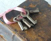 Antique Tiny Skeleton Keys Lot of Four