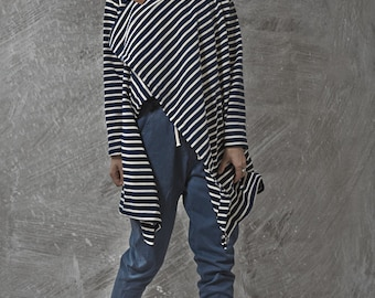 Japanese inspirited blue stripes multiway to wear top with camel leather pin - JapanSweater