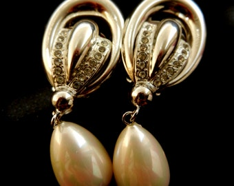 Beautiful large dangling earrings - vintage Italian 1970 - ideal for the bride retro -big drops pearls and crystals-Art.781/2-