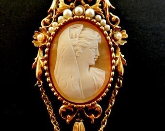 Incredibly beautiful  English cameo brooch 1950 -  shell cameo, micro pearls and gold -  large and elegant, jewel numbered--Art.774/2 -