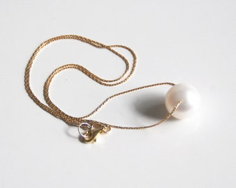 Mother's Day Jewelry- White Pearl Pendant Necklace on Gold Filled  Beading Chain -Wedding Jewelry- Bridal Accessories- June Birthstone