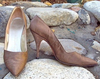 Designer High Heels Brown 60s Pumps Herbert Levine Vintage