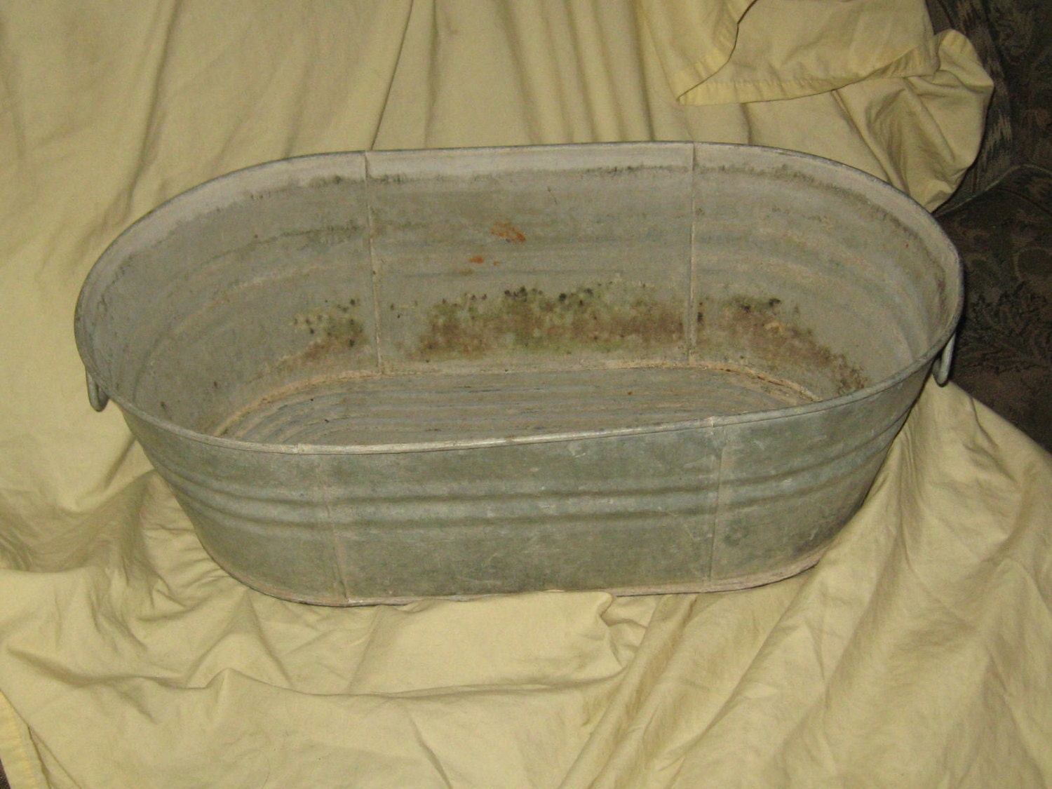 Vintage Galvanized Metal Tub