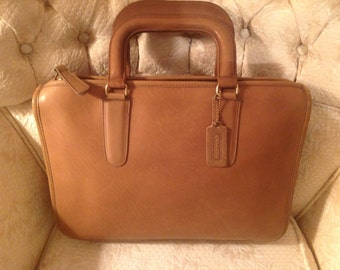 Vintage Coach 80s NYC BriefCase Tote Handbag Chic Preppy Classic Traditional / Fashion Back-To-School Style Wear