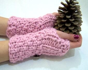 Pink Chunky Knit Fingerless Mittens, Button Cuff Mittens Pink, Knit Wristwarmer, Knit Armwarmer Pink, Chunky Knit Pink Mitten, Winter Trends