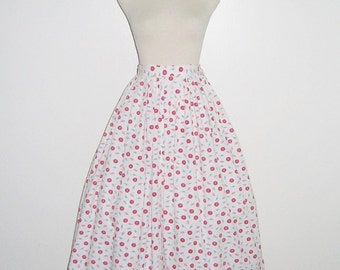 Vintage 1950s Skirt / 50s Novelty Print Skirt / 50s White Novelty Print Skirt With Umbrella Parasol Design - S, M