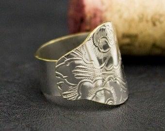 Dinner ring, unique silver ring, promise ring, Boho ring, ring, handmade ring, metal ring, trendy metal ring, vintage metal,  Eco-friendly