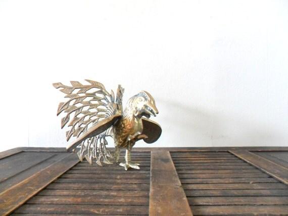 vintage brass fighting rooster figurine / barn animal / gold toned / bird / chicken