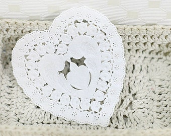 30 Petit Flower Heart Paper Doilies - White (3.4 x 3.6in)