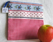 "Reusable Sandwich Bag, Country French Motif - 7.5"" x 7.5""- Nylon lined, Zippered, Machine Washable, Eco-Friendly"