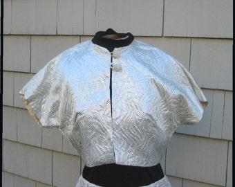 Vintage 70s - Crop silver lame jacket with plastic rhinestones buttons