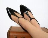 1980s High Heels / 80s Black Tee Strap Unworn Heels Pumps Shoes / 8 8.5 M