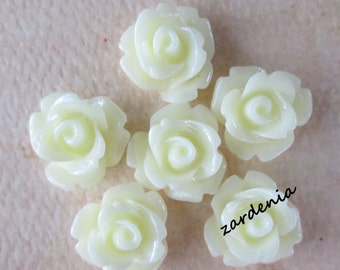 6PCS - Mini Rose Flower Cabochons - 10mm - Resin - Vanilla - Cabochons by ZARDENIA