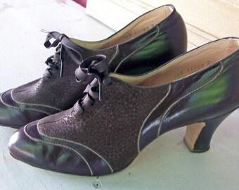 SALE Fabulous Vintage 1930s Lace Up Pumps Kid Leather Rare Condition