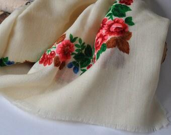 vintage wool shawl • vintage  wool scarf