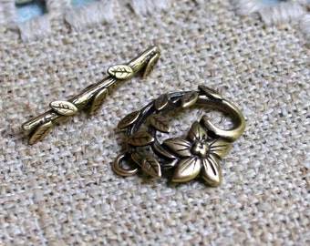 Clasp JBB Antiqued Brass Toggle 16x16mm Fancy Flower Vine