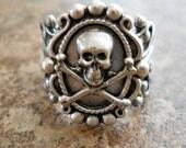 Victoriana Steampunk Skull Ring in Silver EXCLUSIVE DESIGN