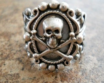 Victoriana Steampunk Skull Ring in Silver EXCLUSIVE DESIGN