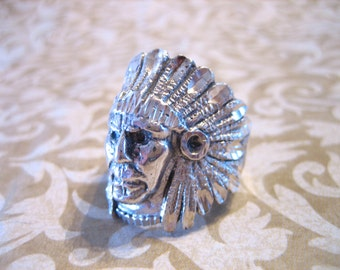 Vintage Sterling Silver Detailed Large Indian Head Headdress Ring