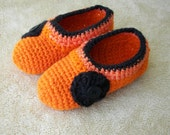 Hand Crochet Fall Slippers in ORANGE BLACK Acrylic yarn / Pumpkin color slippers
